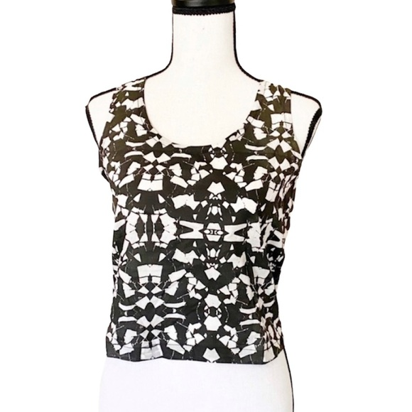 R/H The Label Black and White Mosaic Crop Top